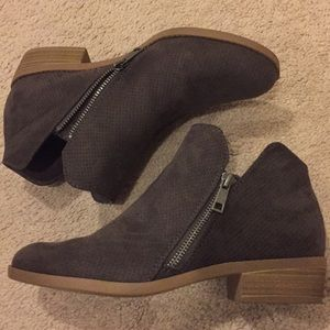 Target Universal Thread perforated booties 8